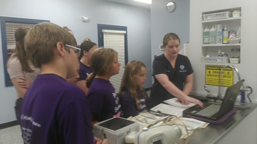Vet Camp Level 1 visiting Fur Family Animal Hospital!